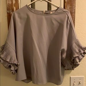 Very cute blouse! Fun for the holidays!